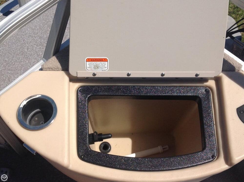 2015 Sun Tracker Bass Buggy 18 DLX Signature Series - Photo #20