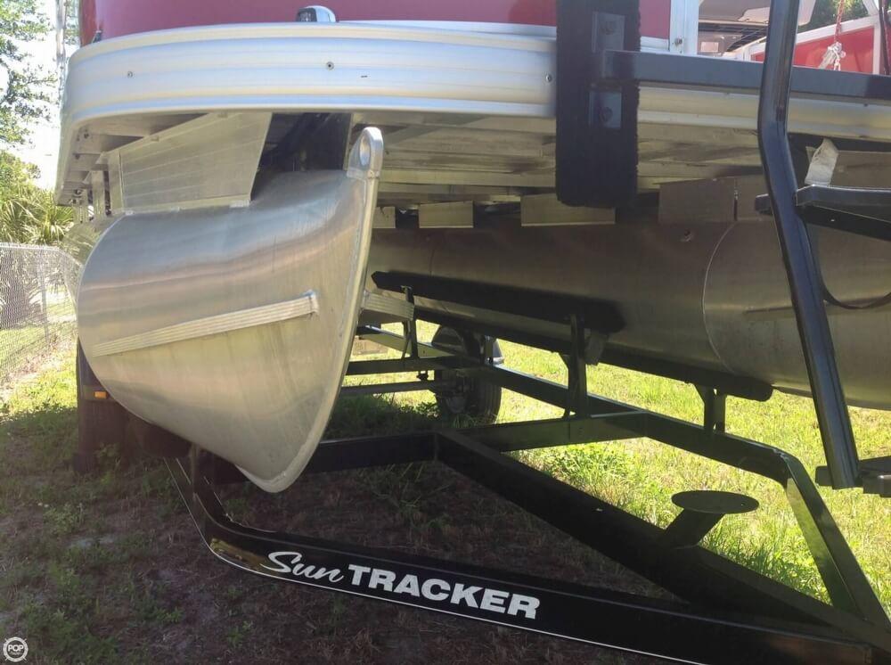 2015 Sun Tracker Bass Buggy 18 DLX Signature Series - Photo #37