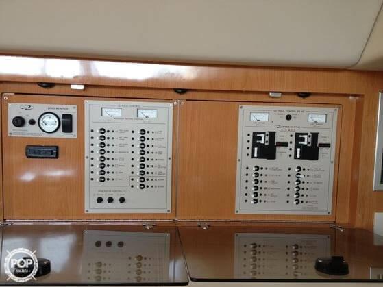 2001 Regal 3780 Commodore - Photo #11