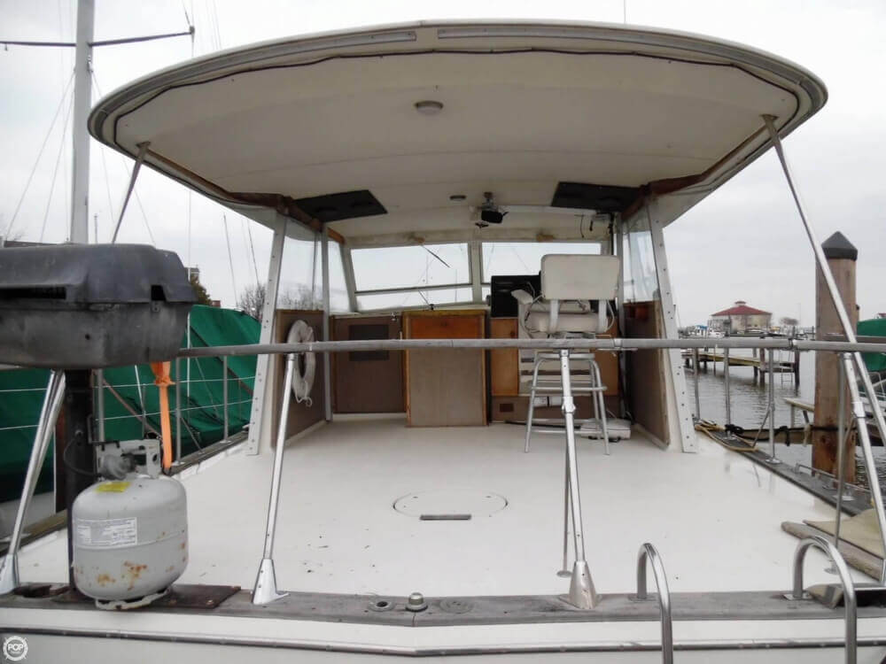 1974 Chris Craft boat for sale, model of the boat is 410 Commander & Image # 3 of 40