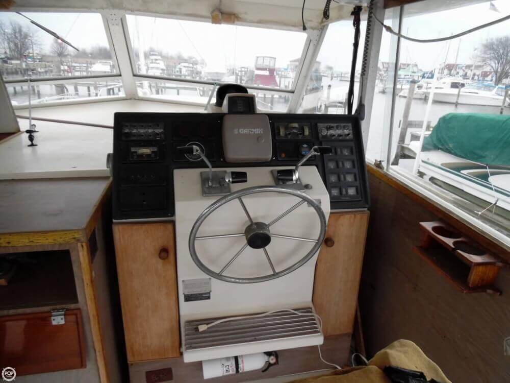 1974 Chris Craft boat for sale, model of the boat is 410 Commander & Image # 5 of 40