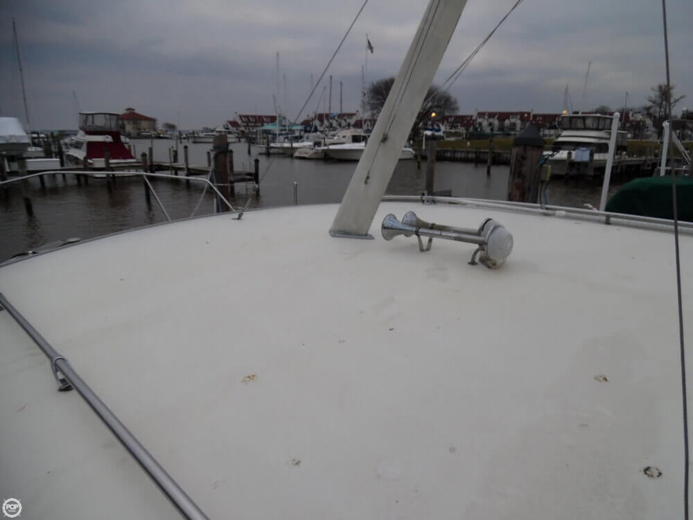 1974 Chris Craft boat for sale, model of the boat is 410 Commander & Image # 33 of 40
