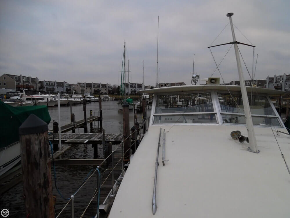 1974 Chris Craft boat for sale, model of the boat is 410 Commander & Image # 38 of 40