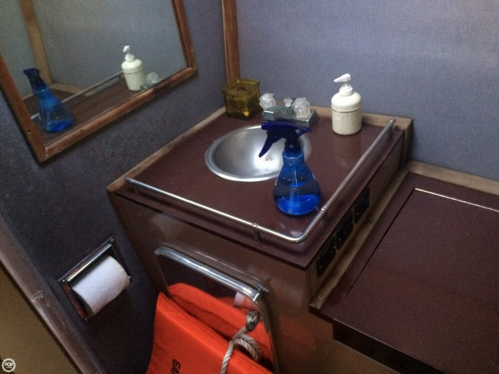 1985 Wellcraft boat for sale, model of the boat is 42 Excalibur & Image # 20 of 40