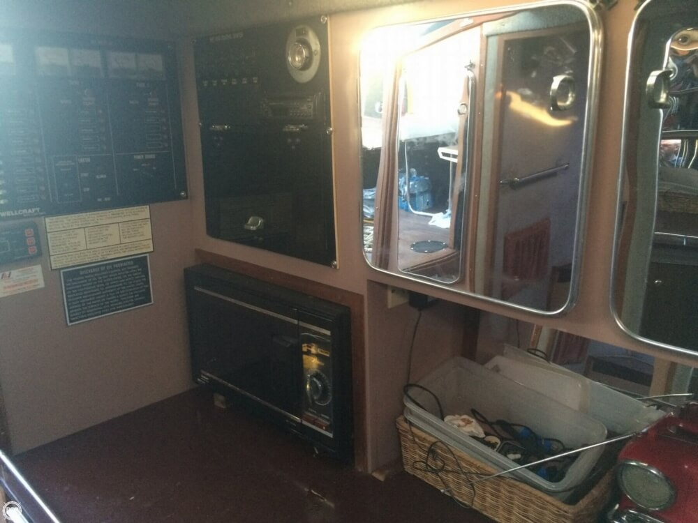 1985 Wellcraft boat for sale, model of the boat is 42 Excalibur & Image # 25 of 40