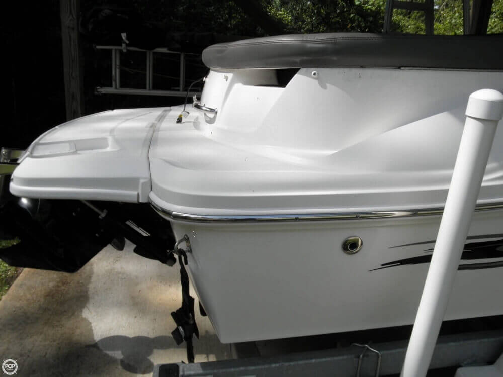 2011 Sea Ray 185 Sport - Photo #27