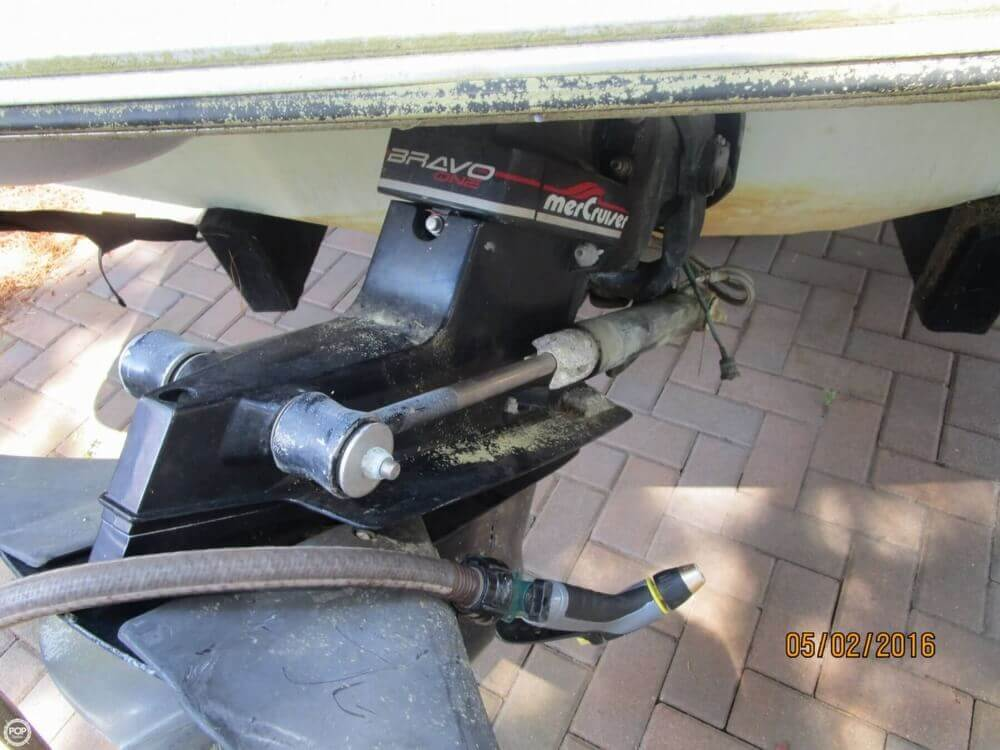 1999 Stingray boat for sale, model of the boat is 220SX & Image # 9 of 40