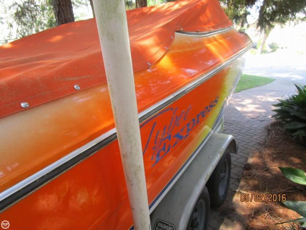 1999 Stingray boat for sale, model of the boat is 220SX & Image # 12 of 40