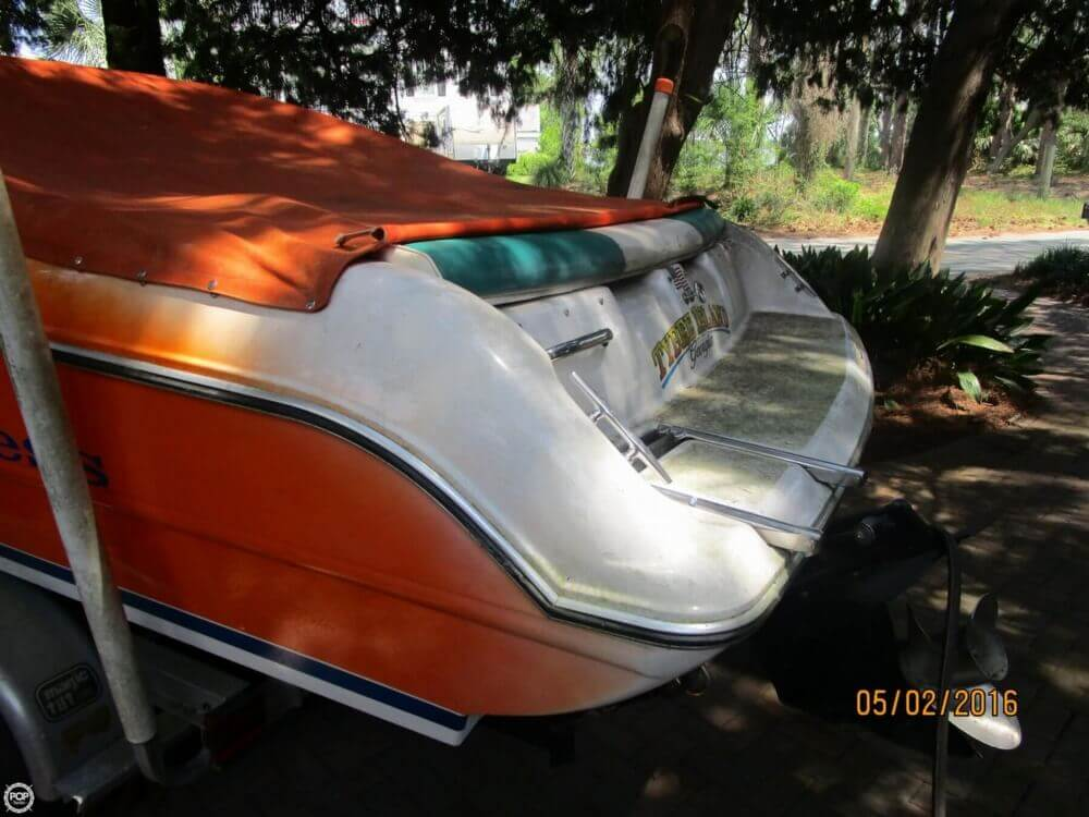 1999 Stingray boat for sale, model of the boat is 220SX & Image # 27 of 40