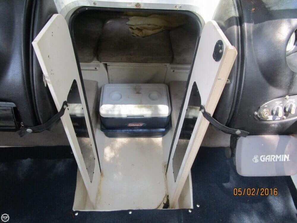 1999 Stingray boat for sale, model of the boat is 220SX & Image # 30 of 40