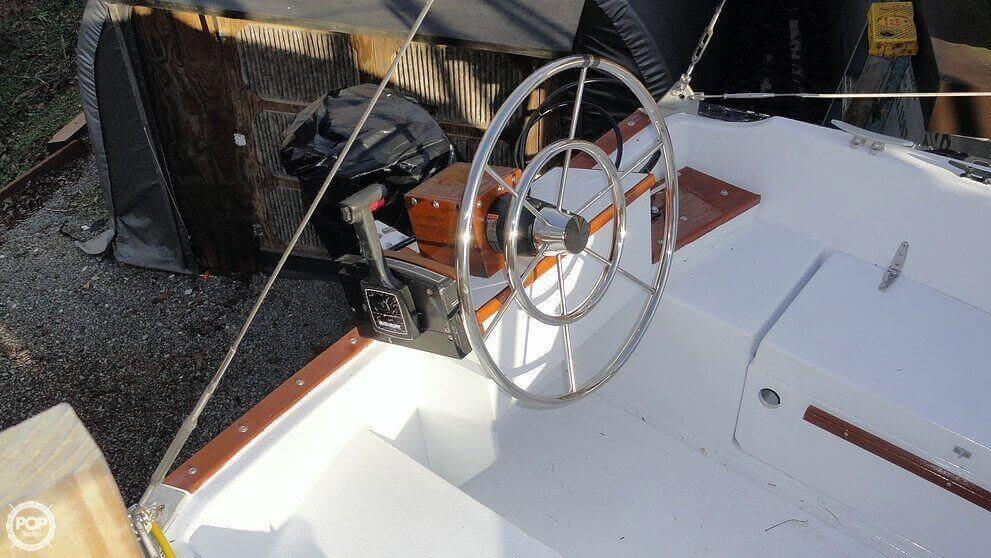 1978 C & C Yachts 26 - Photo #4