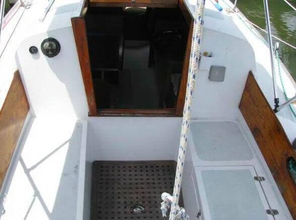 1970 Ericson Yachts 32 MKII - Photo #9