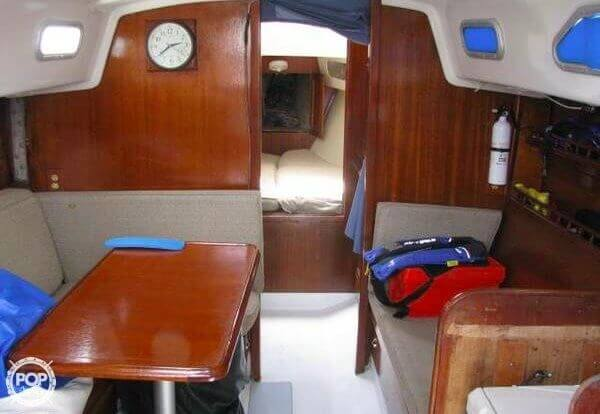 1970 Ericson Yachts 32 MKII - Photo #14