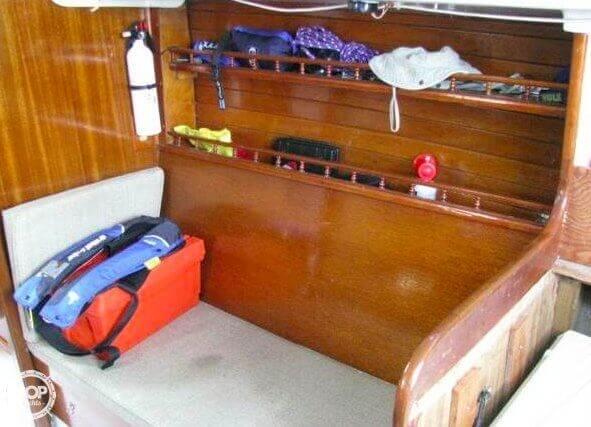 1970 Ericson Yachts 32 MKII - Photo #15