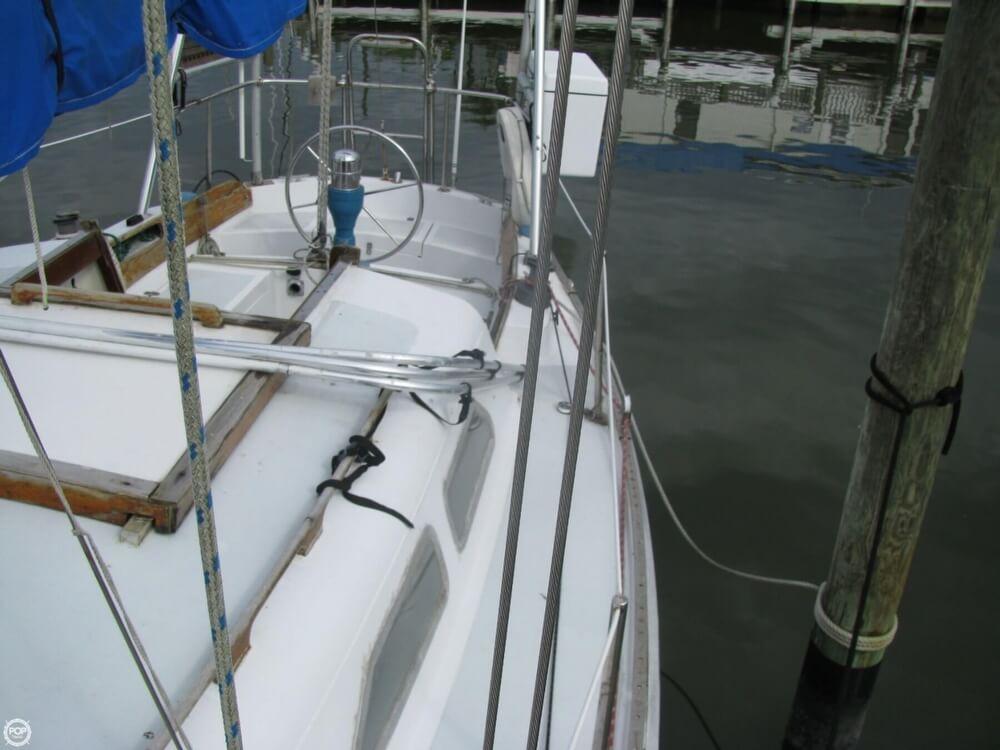 1970 Ericson Yachts 32 MKII - Photo #39