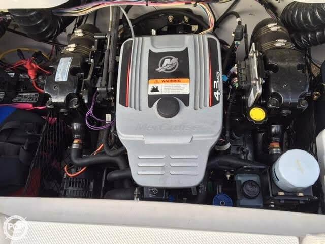 2011 Glastron GT205 - Photo #6
