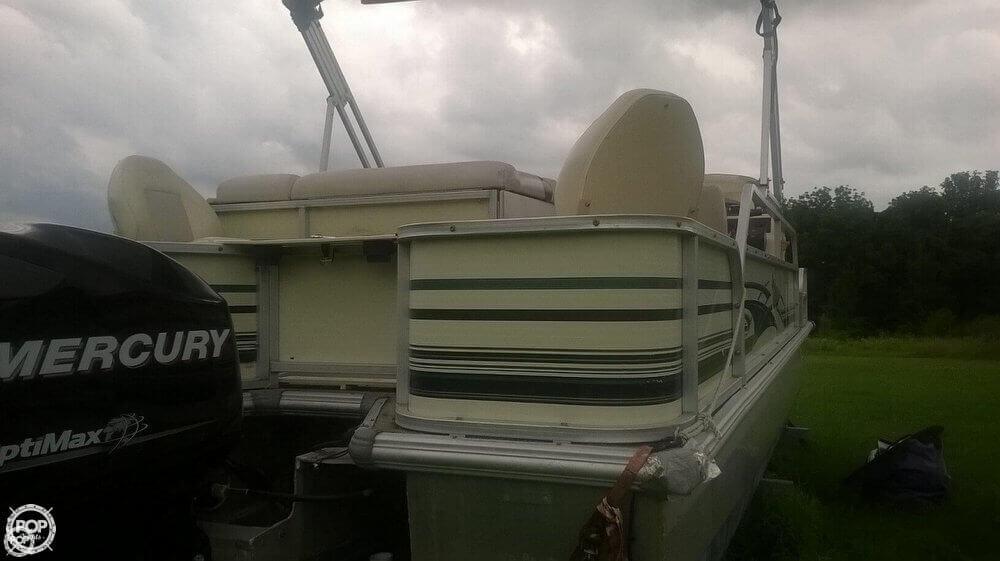 2002 Voyager Marine VS 22 Fish N Cruise - Photo #13