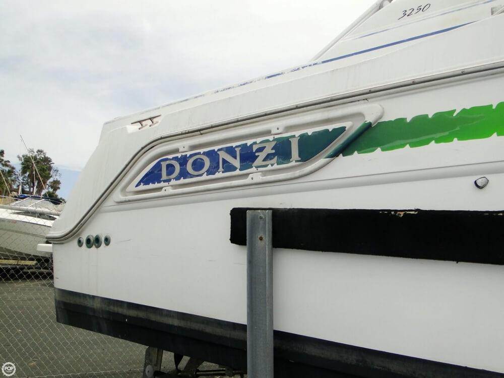1998 Donzi 3250 LXF Express - Photo #33