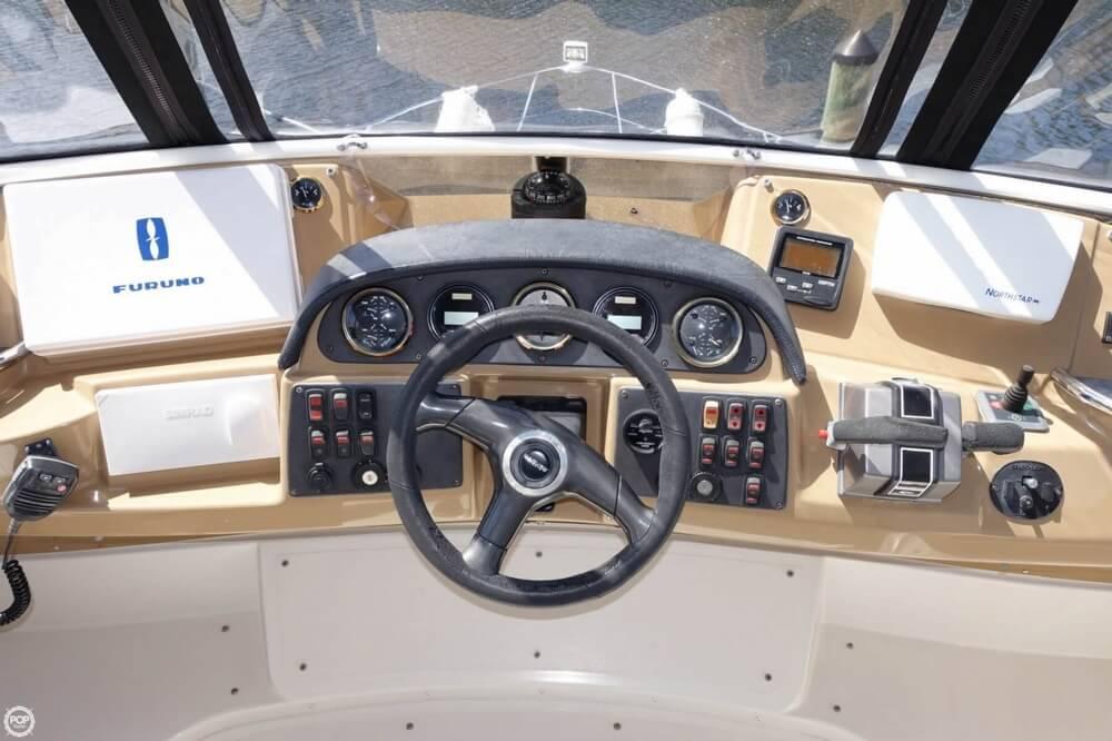 2004 Carver 444 Cockpit MY - Photo #22