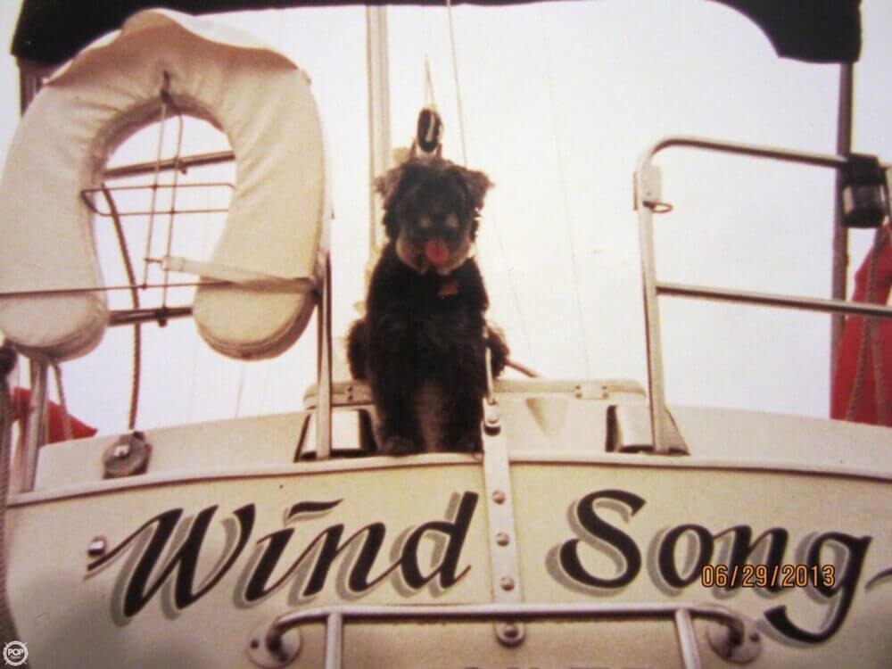 1985 Islander 28 - Photo #3