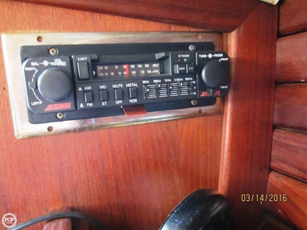 1985 Islander 28 - Photo #29