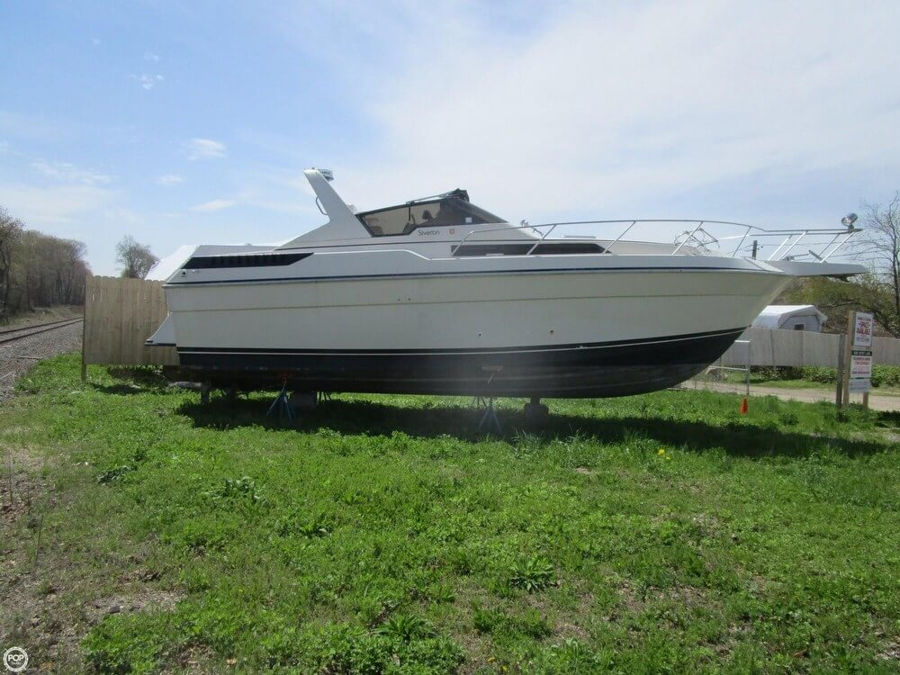 1987 Silverton boat for sale, model of the boat is 34 Express & Image # 10 of 40