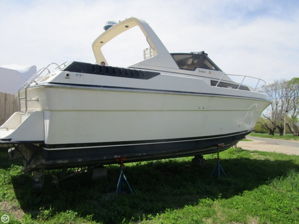 1987 Silverton boat for sale, model of the boat is 34 Express & Image # 11 of 40