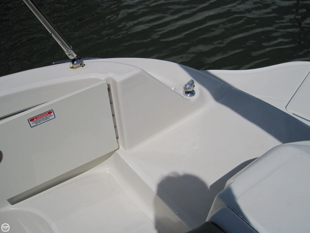 2006 Sea Ray 220 Sundeck - Photo #23