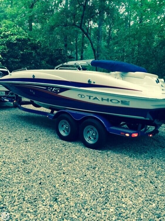 2014 Tahoe boat for sale, model of the boat is 215 & Image # 2 of 12