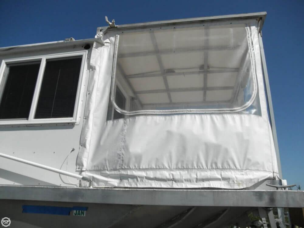 2009 Custom 35 Houseboat - Photo #18
