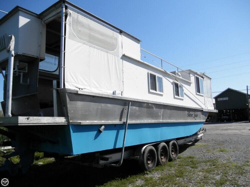 2009 Custom 35 Houseboat - Photo #22
