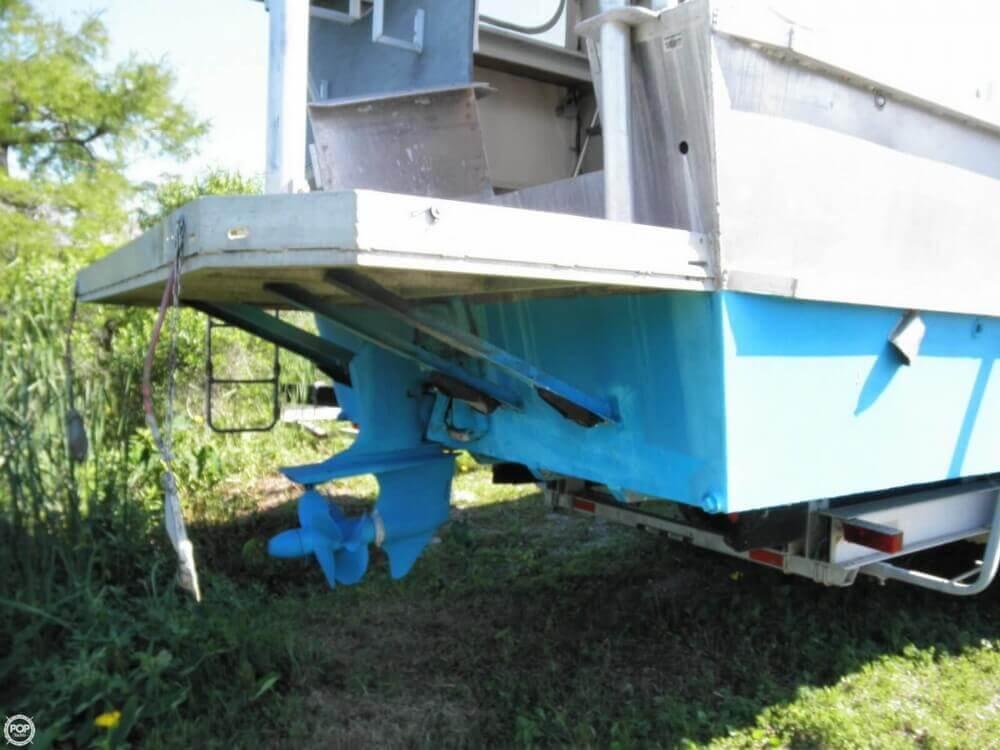 2009 Custom 35 Houseboat - Photo #23