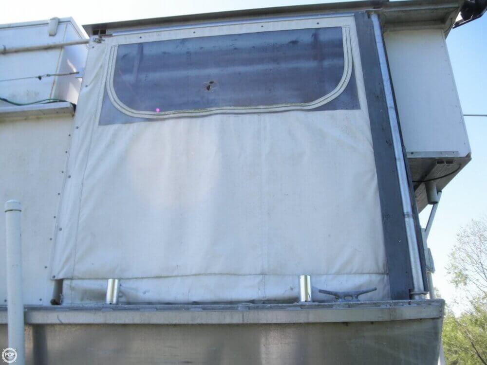 2009 Custom 35 Houseboat - Photo #28