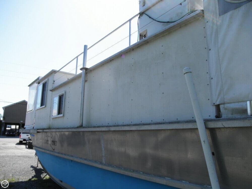 2009 Custom 35 Houseboat - Photo #29