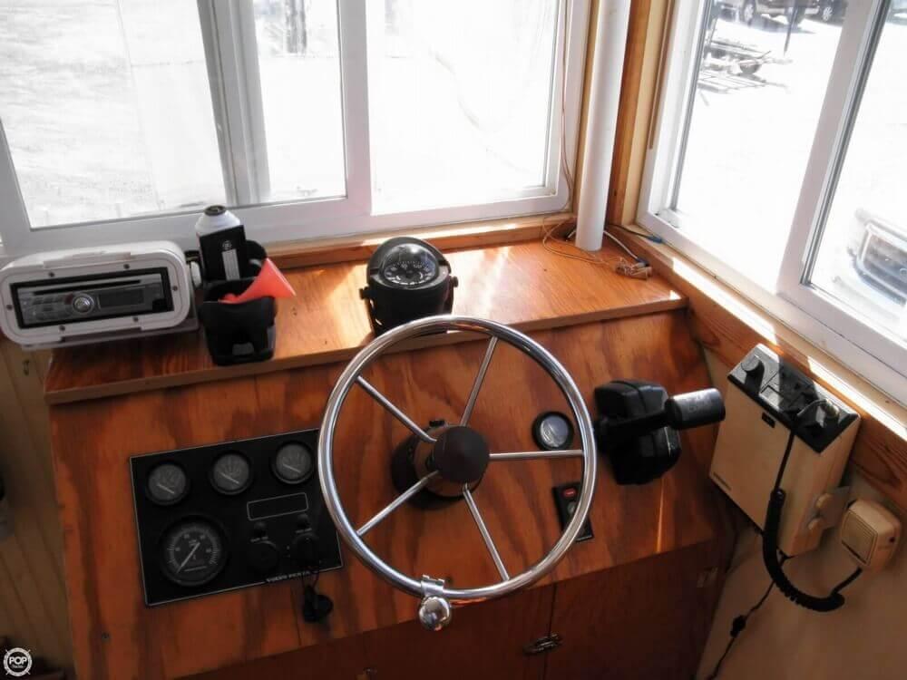 2009 Custom 35 Houseboat - Photo #2
