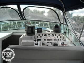 1990 Wellcraft Model Corsica 3700 Express - Photo #3