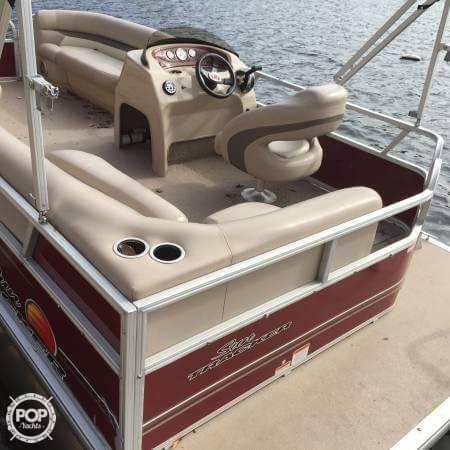 2014 Sun Tracker Party Barge 18 DXL - Photo #3