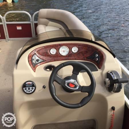 2014 Sun Tracker Party Barge 18 DXL - Photo #4