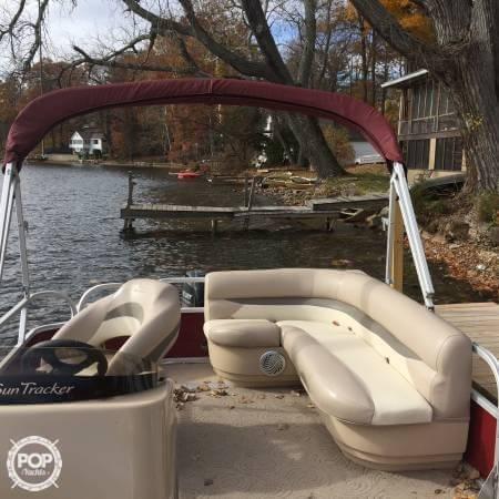 2014 Sun Tracker Party Barge 18 DXL - Photo #5