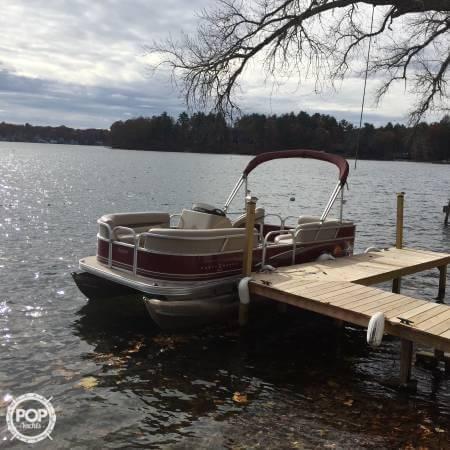 2014 Sun Tracker Party Barge 18 DXL - Photo #6