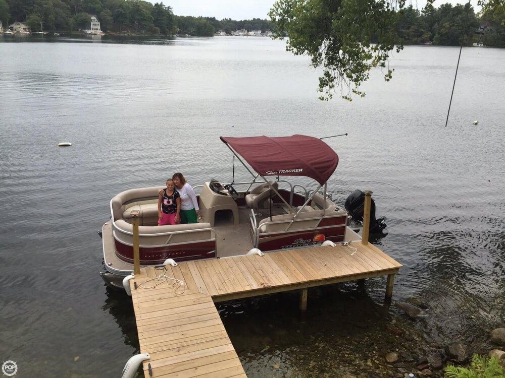 2014 Sun Tracker Party Barge 18 DXL - Photo #7