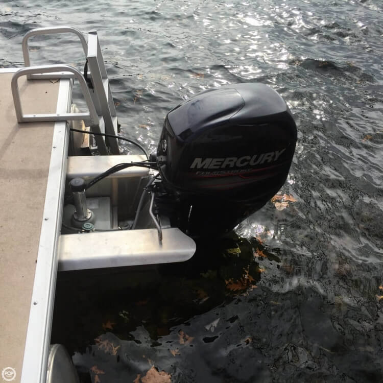 2014 Sun Tracker Party Barge 18 DXL - Photo #8