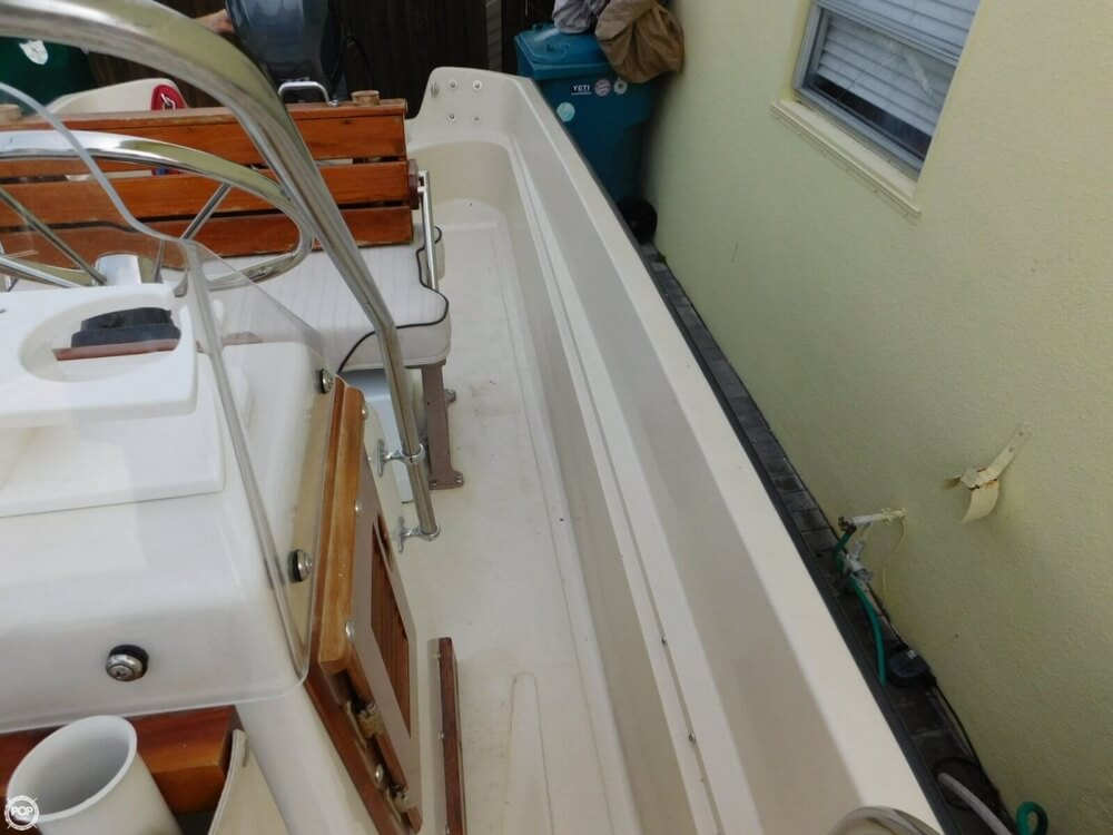 1979 Boston Whaler Montauk 17 - Photo #38