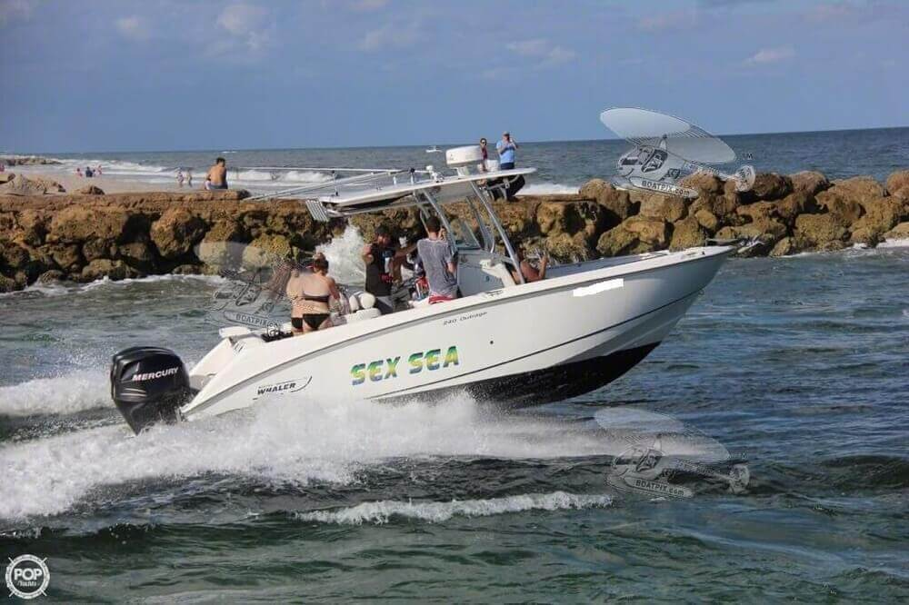 2007 Boston Whaler 23 - Photo #3