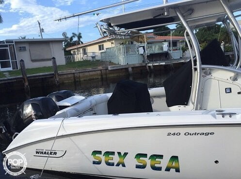 2007 Boston Whaler 23 - Photo #16