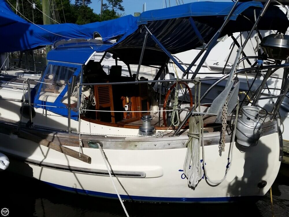 1986 Lord Nelson 35 Cutter - Photo #4