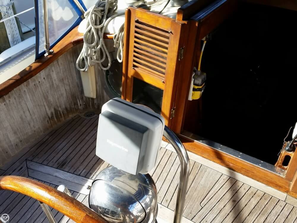 1986 Lord Nelson 35 Cutter - Photo #13