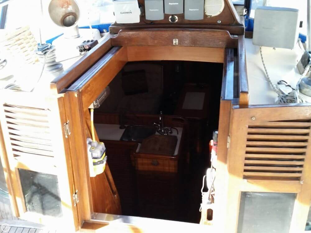 1986 Lord Nelson 35 Cutter - Photo #16