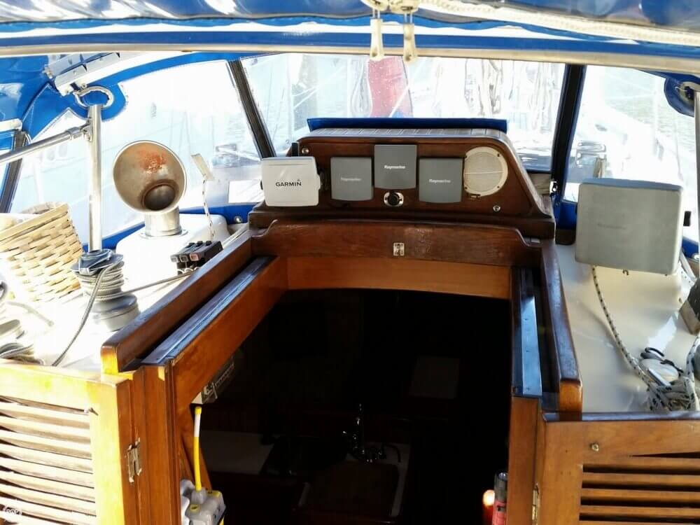 1986 Lord Nelson 35 Cutter - Photo #17