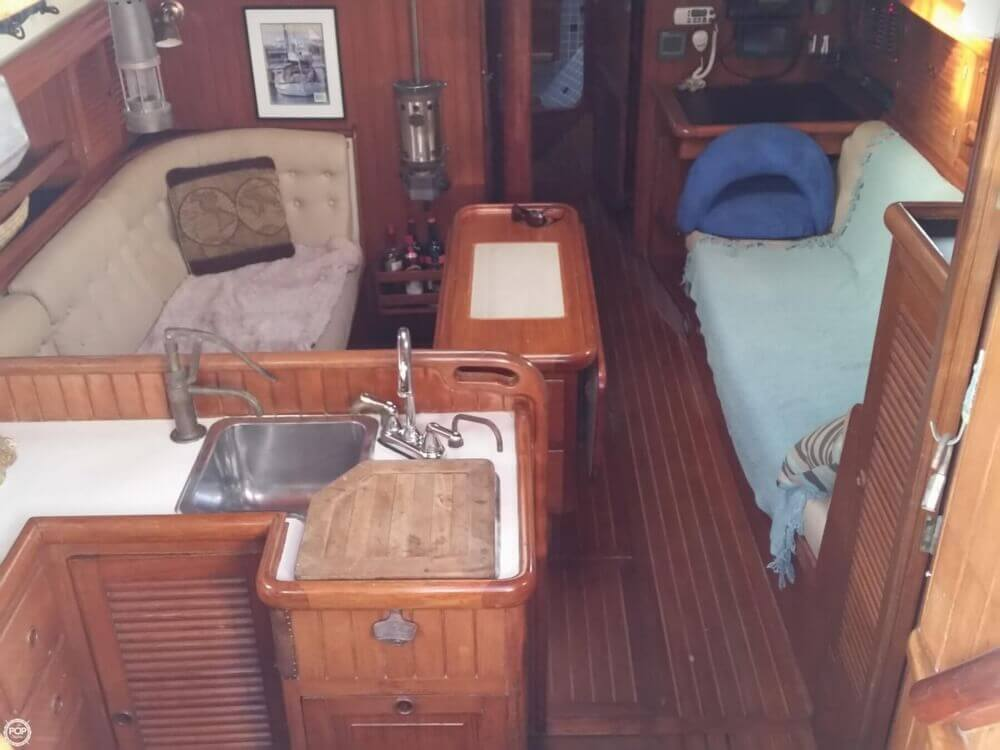 1986 Lord Nelson 35 Cutter - Photo #29